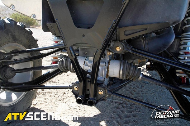 Notice how slim the rear differential is and how close the bottom frame rails are to each other. This greatly aids in articulation and vehicle stability.