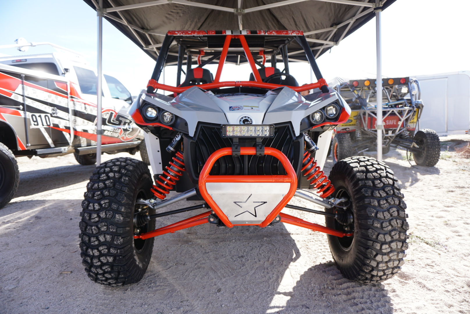 Can-Am Collaborates with Beard Seats and LoneStar Racing - UTV Scene