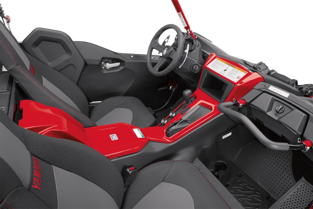 Is the YXZ1000R SS inviting or what? The plush color-matched high-back seats with extra lateral support and outside shoulder bolsters make a day's worth of riding very comfortable. Also worth noting, Yamaha upgraded the cabin insulation for model year 2017 so less engine heat escapes into the cabin area.