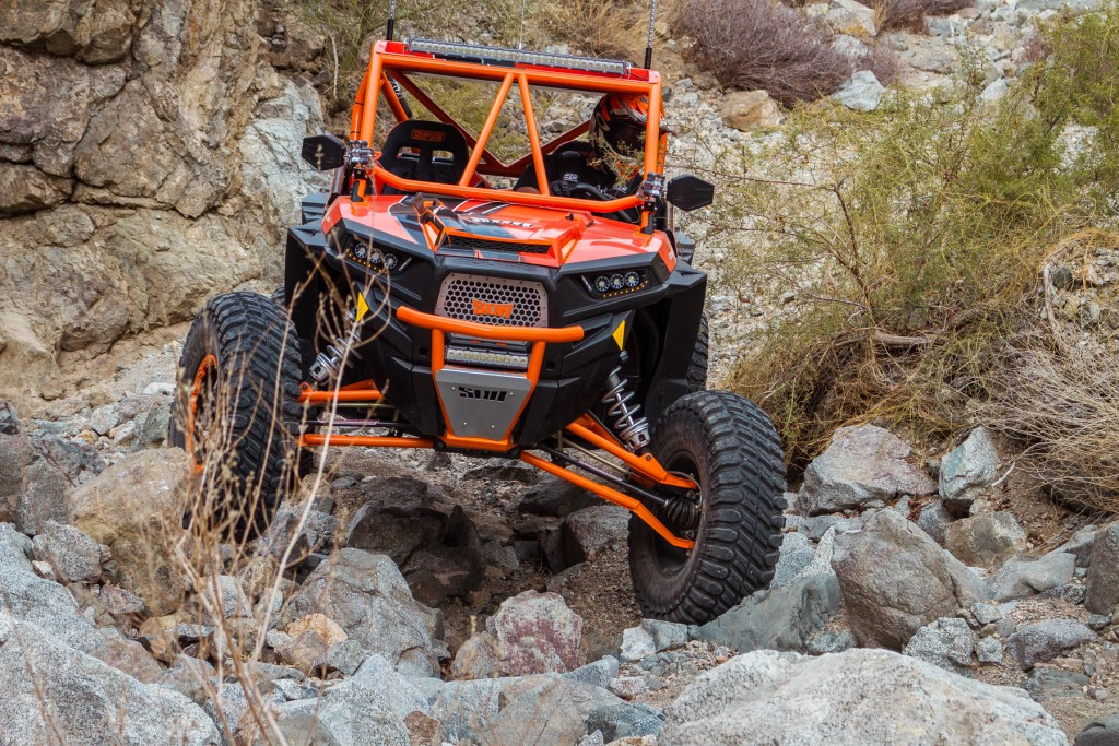 """The big 32"""" tire gives incredible ground clearance and performs well for low speed rock crawling."""