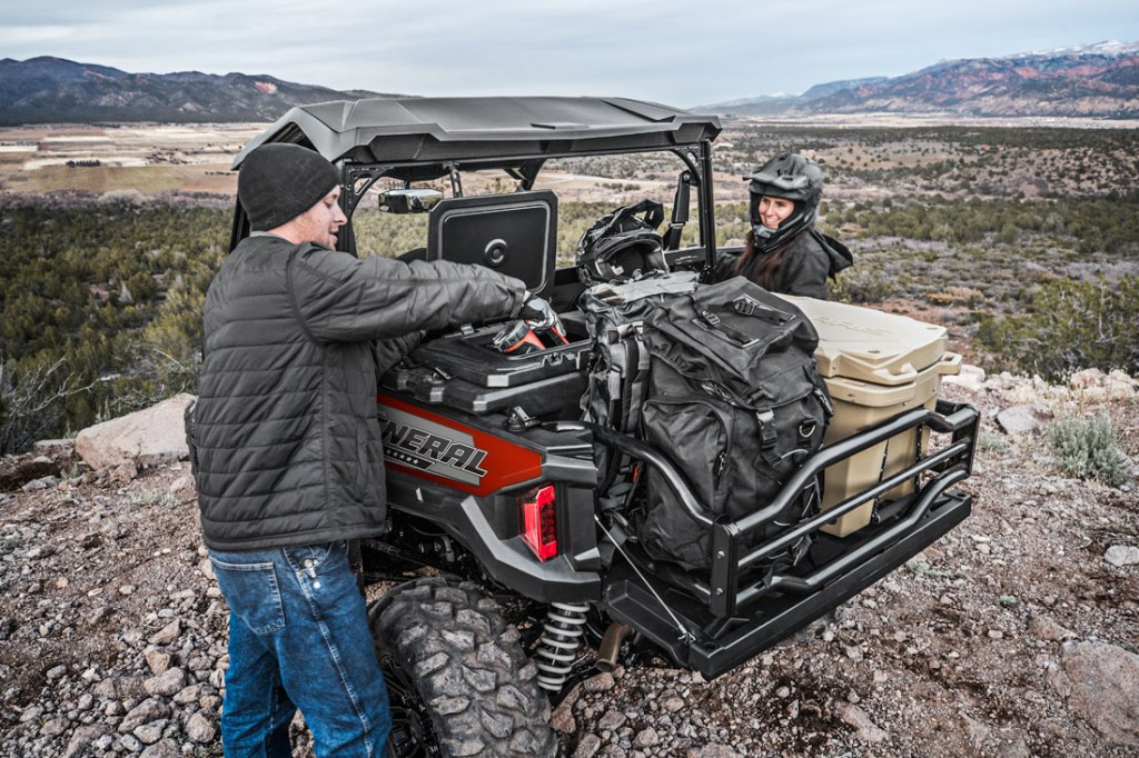 2018 Polaris General 1000 EPS Ride Command in Matte Sunset Red