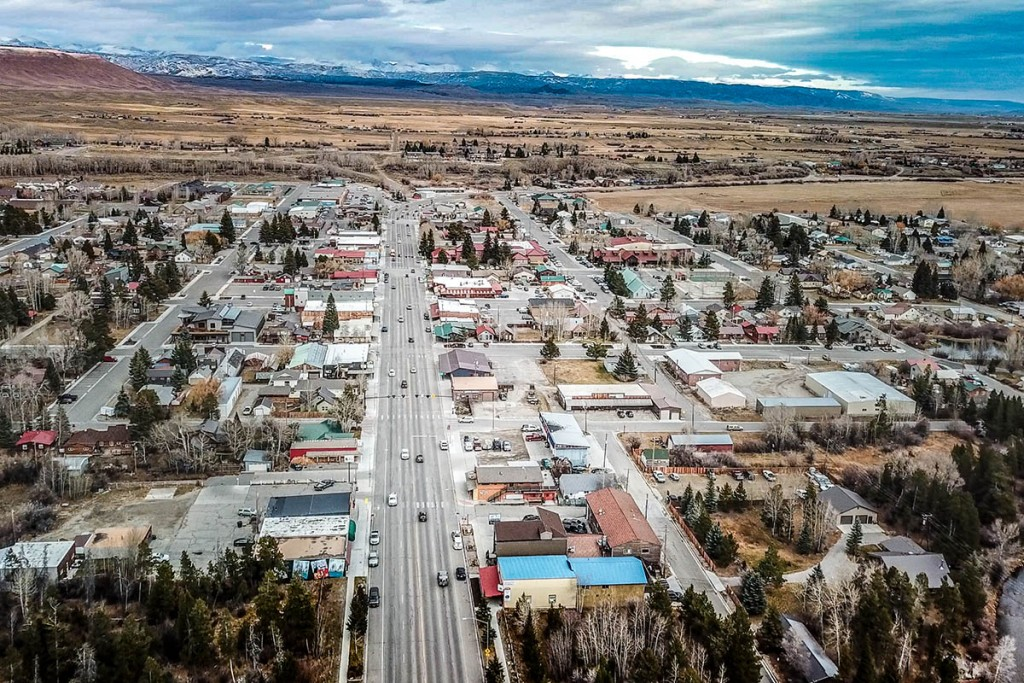 TOWN 2 PINEDALE WY - 01